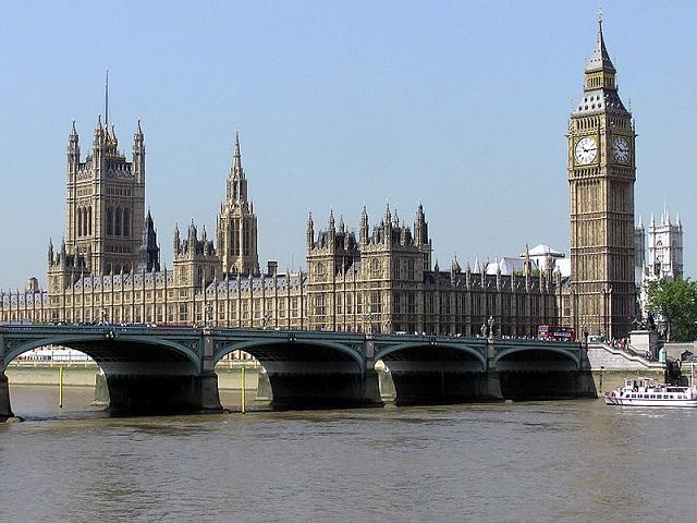 Celkový pohľad na Westminsterský palác, ktorý by mal prejsť rekonštrukciou