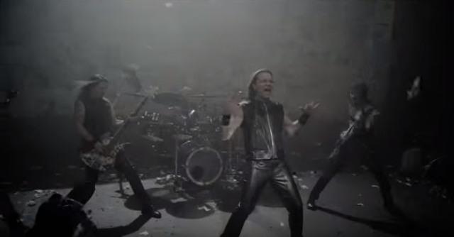 Videoklip ruskej rokovej kapely Valerija Kipelova doslova trhá sociálne siete
