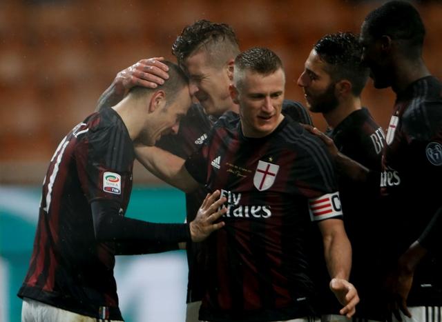 Na snímke hráči AC Milána