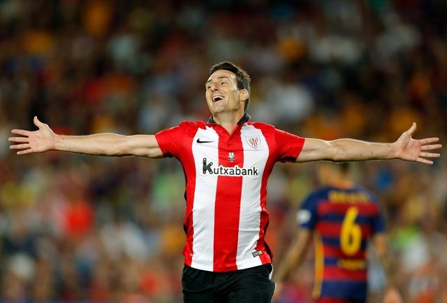 Na snímke hráč Aritz Aduriz z Athletica Bilbao