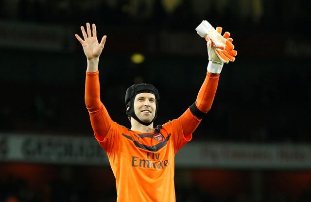 Na snímke brankár Petr Čech z Arsenalu Londýn