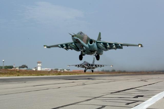 Na ilustračnej snímke ruské stíhačky Su-25