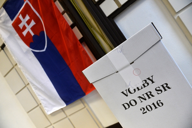 Na snímke volebná urna vo voľbách do Národnej rady SR