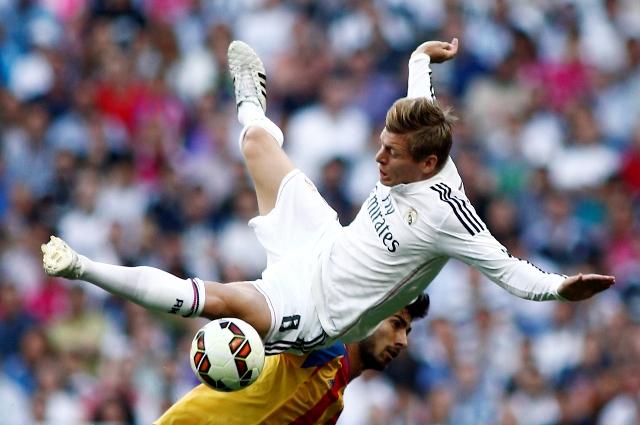 Na snímke futbalista Realu Madrid Toni Kroos (hore)