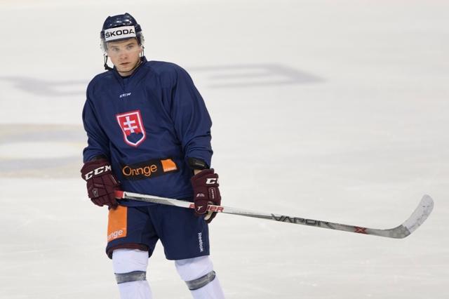 Na snímke slovenský hokejový reprezentant Martin Réway
