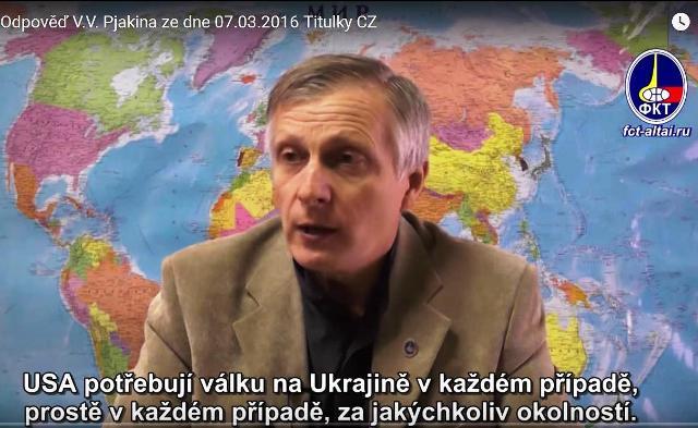Na snímke ruský analytik a politológ Valerij Piakin