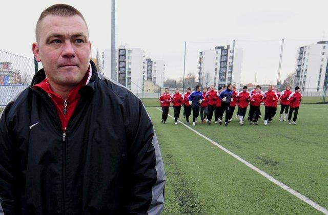 Na snímke tréner slovenskej futbalovej reprezentácie do 19 rokov Milan Malatinský