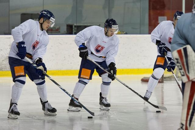 Na snímke vľavo Patrik Lušňák  a vpravo Martin Réway