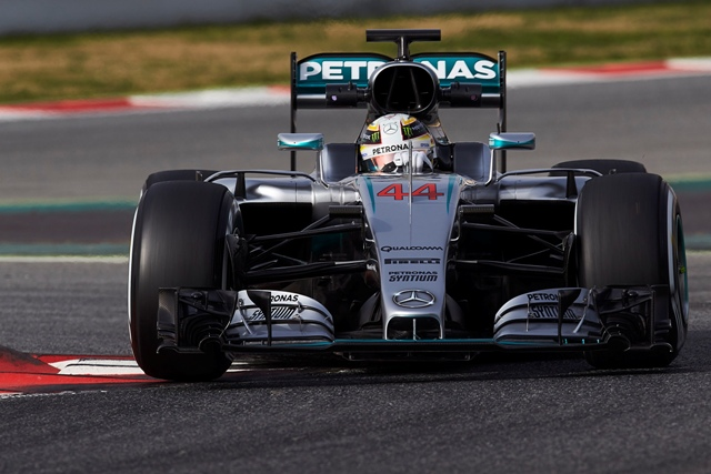 Na snímke jazdec formuly 1 z tímu Mercedes  Lewis Hamilton