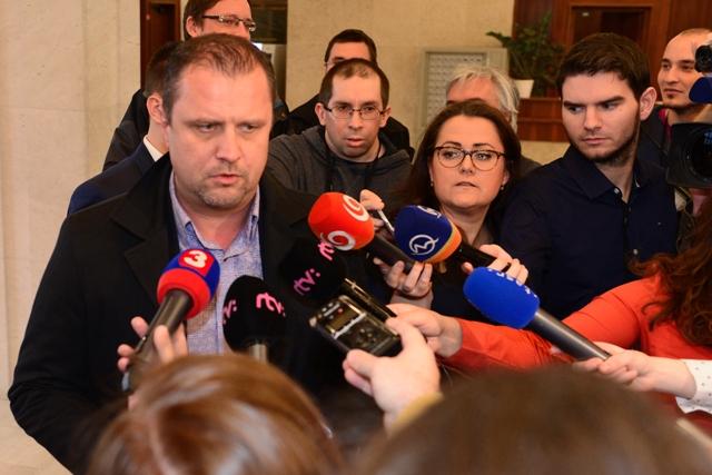 Na snímke prvý podpredseda strany #Sieť Andrej Hrnčiar (vľavo)