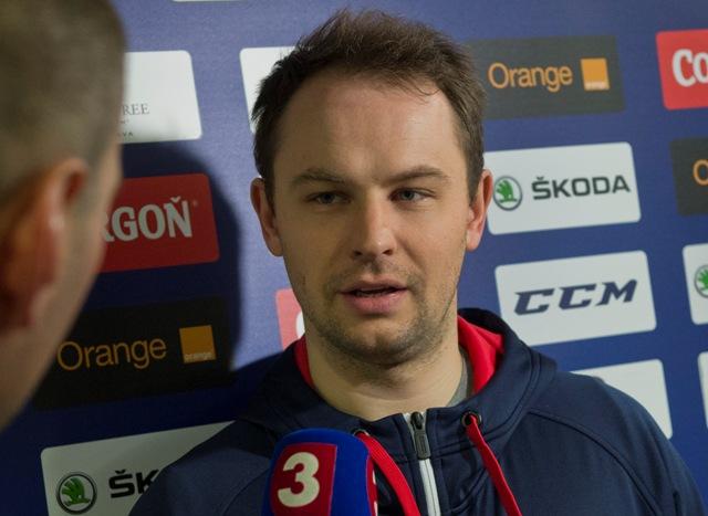 Na snímke brankár Július Hudáček