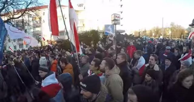 "V Bielorusku vzniká svoj Majdan: Tie isté heslá, tie isté ciele – a zasa ""Kto neskáče, ten je Moskaľ..."""
