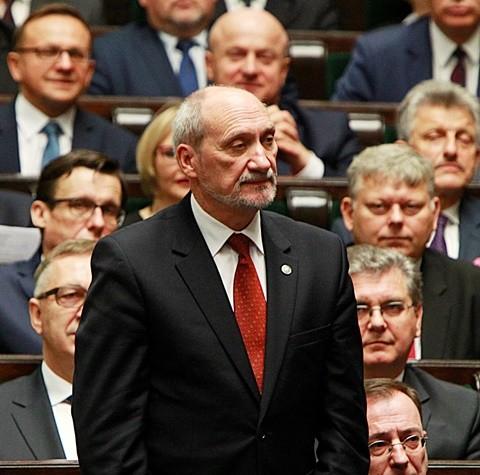 Na snímke kandidát na poľského ministra obrany Antoni Macierewicz