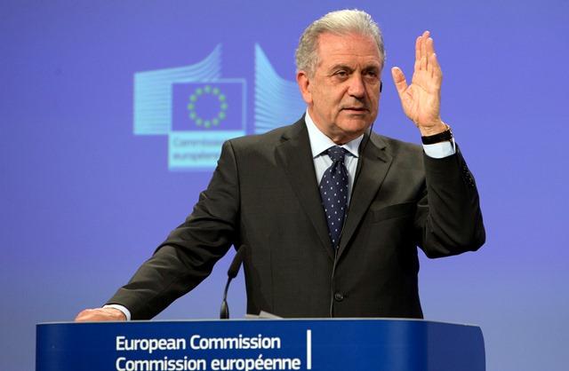 Na snímke komisár EÚ pre migráciu, vnútorné záležitosti a občianstvo Dimitris Avramopulos