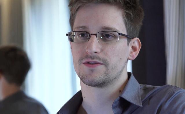 Na snímke Edward Snowden
