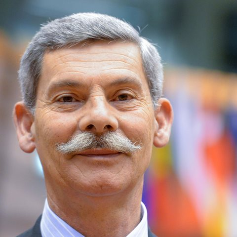 Na snímke grécky poslanec Európskeho parlamentu (EP) Eleftherios Synadinos