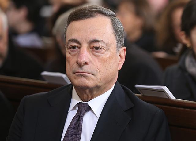 Na snímke prezident Európskej centrálnej banky Mario Draghi