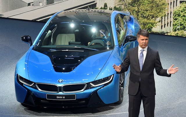Na snímke šéf nemeckej automobilky BMW  Harald Krüger