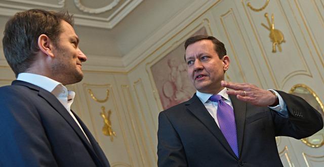 Na snímke lídri strany OĽaNO-NOVA vľavo Igor Matovič