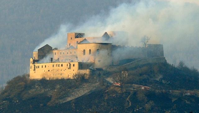 Požžiar hradu Krásna Hôrka 10. marca 2012