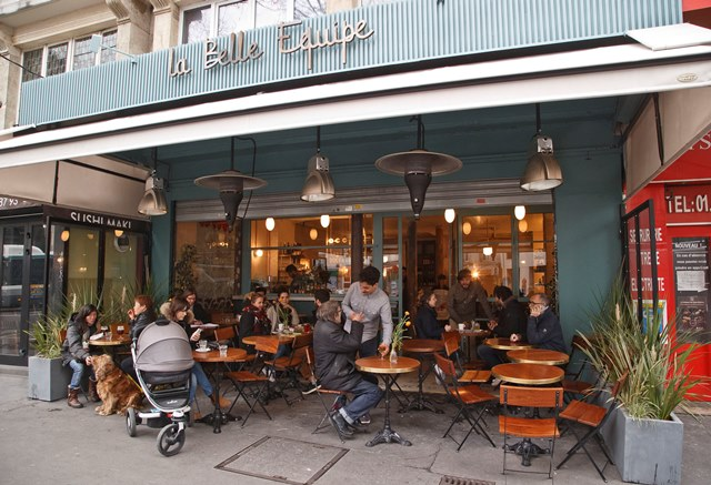 Na snímke parížsku reštauráciu La Belle Équipe