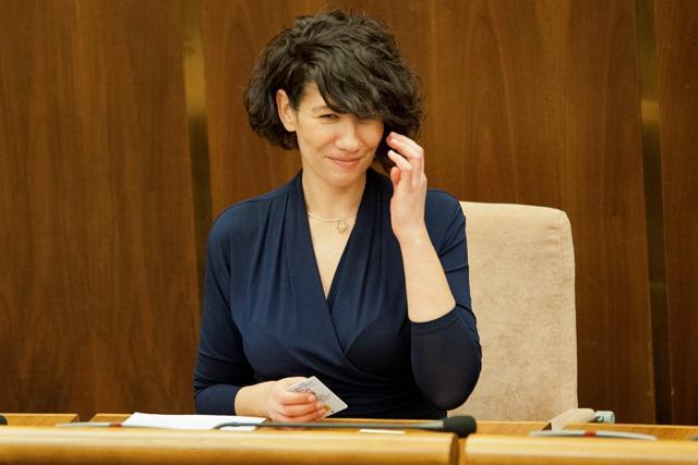 Na snímke novovymenovaná podpredsedníčka NRSR Lucia Nicholsonová