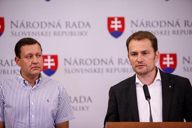 Na snímke nezaradený poslanec Národnej rady SR Daniel Lipšic (vľavo) a líder opozičného hnutia OĽANO  Igor Matovič (vpravo)