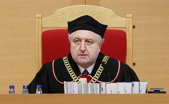 Na snímke sudca Andrzej Rzeplinski, predseda tribunálu poľského Ústavného súdu