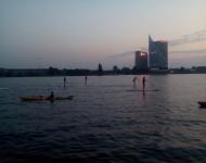 Rieka Dvina, ktorá tečie cez hlavné mesto Lotyšska, Rigu je obľubené miesto pre rôzne druhy športov, alebo ako miesto odpočinku na jej brehoch
