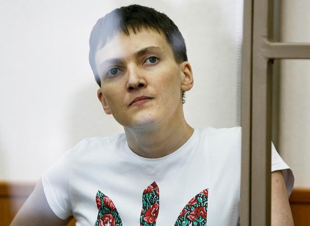 Na snímke väznená ukrajinská pilotka Nadija Savčenková