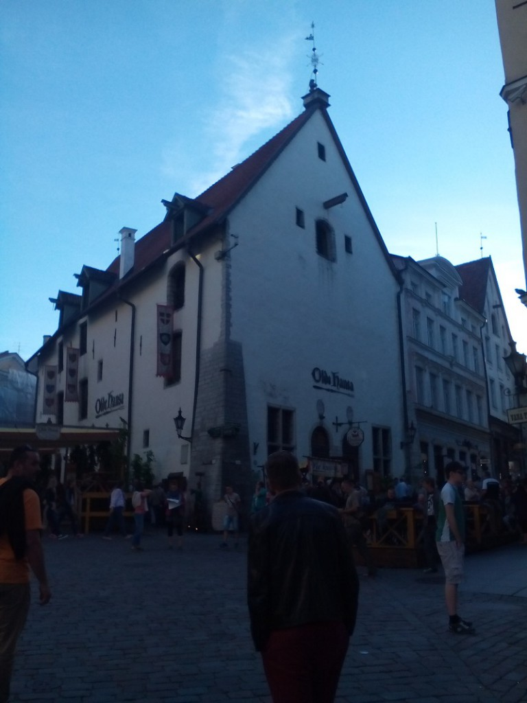 Tallin má krásne i keď relatívne malé historické centrum. Vidieť tu severský a nemecký vplyv