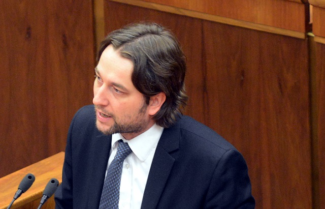Na snímke Ľuboš Blaha (Smer-SD). Foto: TASR