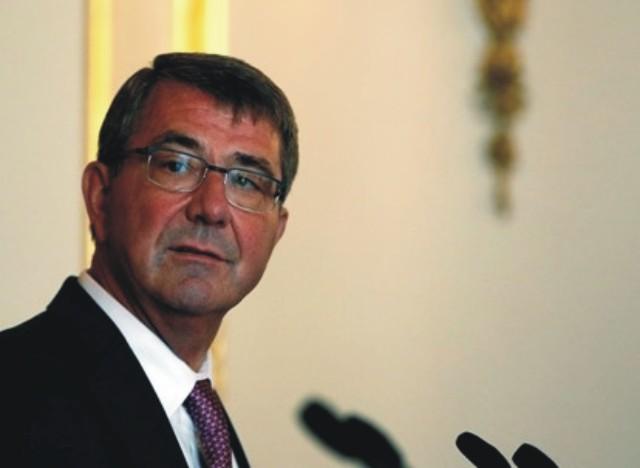 Na snímke minister obrany USA Ashton Carter