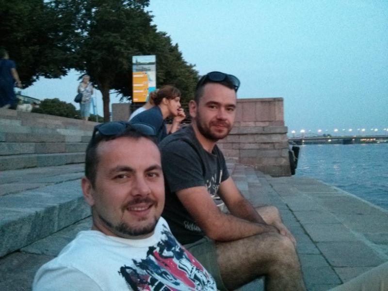 Cestovatelia. Igor Jurík - autor článku vpravo