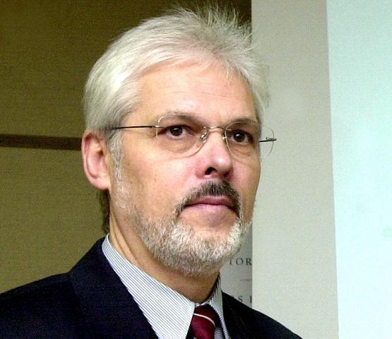 Na archívnej snímke Karol Farkašovský