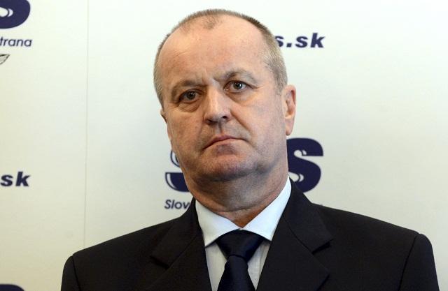 Na snímke nový minister obrany SR Peter Gajdoš