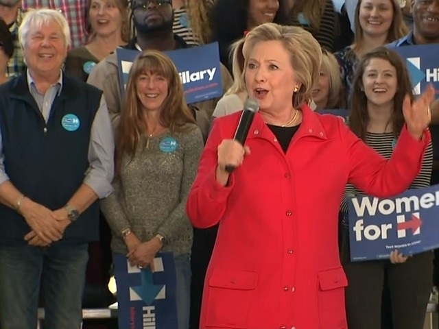 """Na snímke Hillary Clintonová v momente, kedy """"štekala"""""""