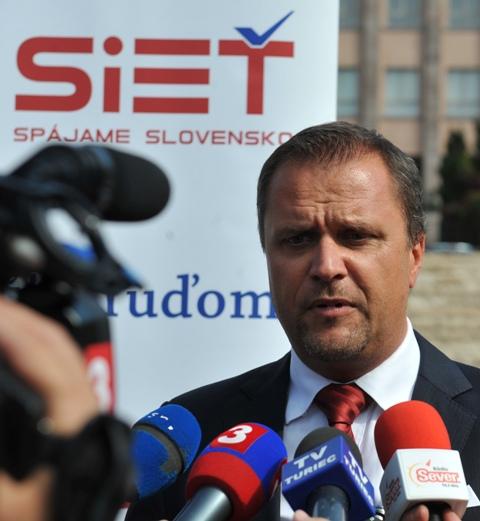Na snímke podpredseda mimoparlamentnej strany Sieť Andrej Hrnčiar