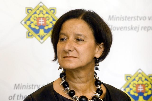 Na snímke rakúska ministerka vnútra Johanna Miklová-Leitnerová