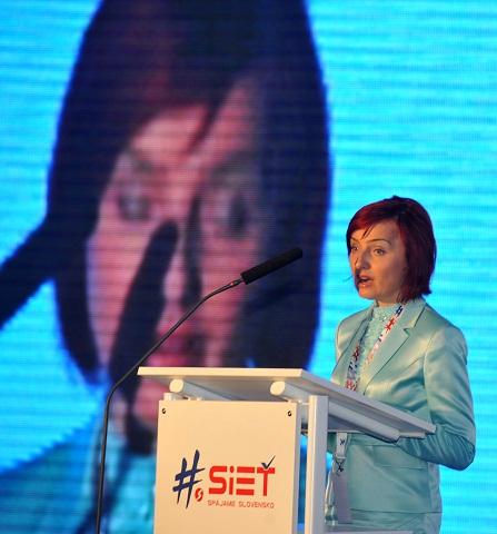 Na snímke Katarína Macháčková počas prejavu