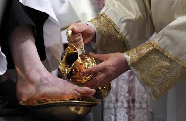 Svätý Otec bude na Zelený štvrtok umývať nohy utečencom