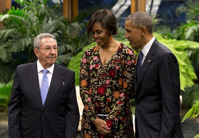 Na snímke zľava Raúl Castro, Michelle Obamová a Barack Obama