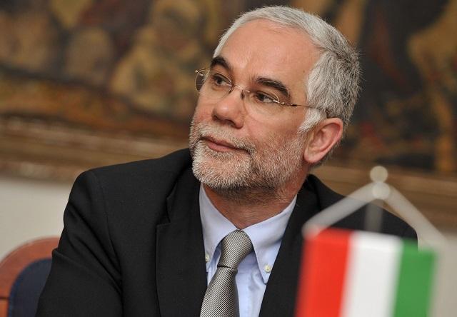Na snímke predseda  ľudskoprávneho výboru Národného zhromaždenia Maďarskej republiky (FIDESZ)  Zoltán Balog