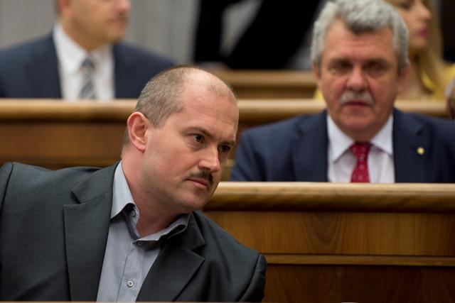 Na snímke v popredí poslanec Marian Kotleba (Ľudová strana Naše Slovensko)