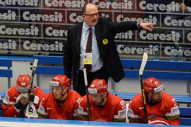 Na snímke tréner Bieloruska Dave Lewis