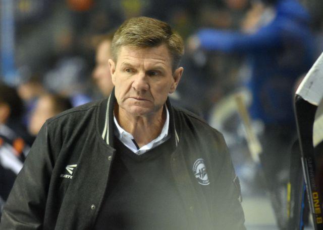 Na snímke tréner HC Košice Rostislav Čada