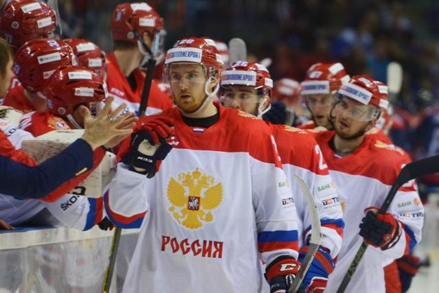 Na snímke hokejisti Ruska oslavujú šiesty gól, v popredí Jaroslav Dyblenko zápase Euro Hockey Challenge 2016 Slovensko - Rusko (0:6)