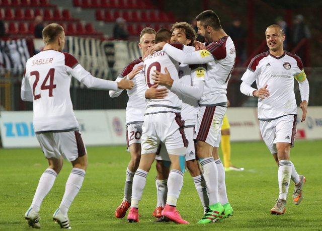 Na snímke hráči Podbrezovej sa radujú z gólu počas zápasu 28. kola futbalovej Fortuna ligy medzi FO ŽP Šport Podbrezová - Spartak Myjava