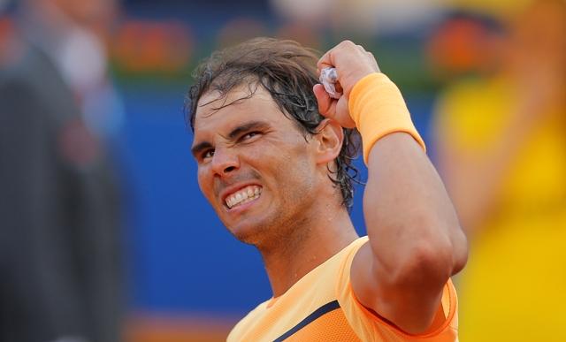 Španielsky tenista Rafael Nadal sa teší po výhre nad Nemcom Philippom Kohlschreiberom v semifinále mužskej dvojhry na antukovom turnaji ATP v Barcelone
