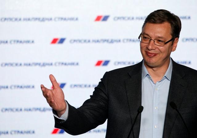 Na snímke srbský premiér a predseda konzervatívnej Srbskej pokrokovej strany (SNS) Aleksandar Vučič